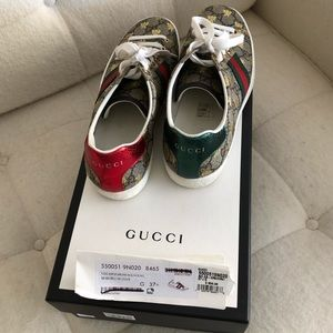Gucci Shoes - Gucci Womens Ace GG Supreme Sneaker w Bees 7.5-8